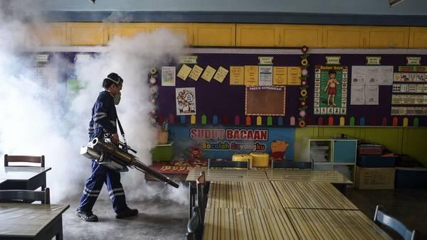 Fumigacion-Kuala-Lumpur-Asia-AFP_CLAIMA20160905_0037_28